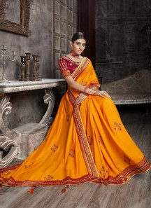 Attractive Banarasi Border Saree With Contrast Heavy Work Blouse Piece