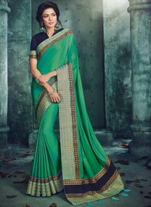 Beautiful Double Border Saree With Contrast Blouse Piece