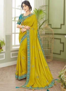 Dazzling Soft Silk Saree With Elegant banarasi Border And Contrast Heavy Work Blouse Piece