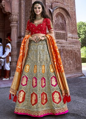 Decent Look Banarasi Silk Lehenga Choli With Jari Weaing