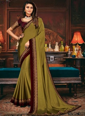 Decent Look Plain Saree With Contrast Heavy Work Blouse Piece