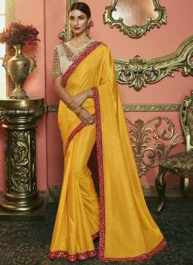 Decent Small Border Saree With Fancy Contrast Blouse Piece