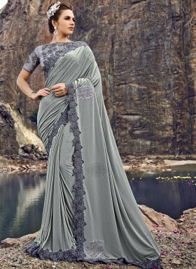 Designer Saree WIth Unique Concept And Fancy Blouse Piece