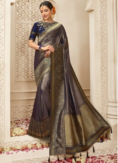 Elegant Silk Saree With Contrast Heavy Blouse Piece