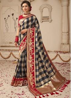 Elegant Silk Saree With Contrast Heavy Blouse Piece