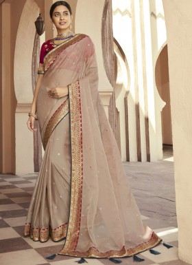 Gorgeous Organza Fabric Saree With Contrast Border And Heavy Blouse Piece
