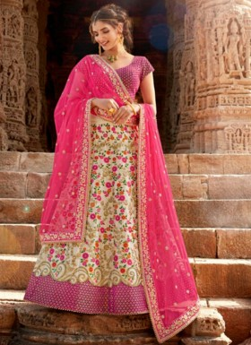 Party Wear Lehenga Choli With Decent Jari Work