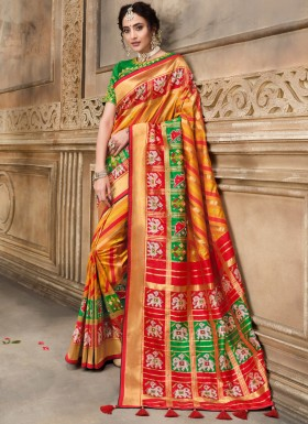 Patan Patola Pure SIlk Saree With Contrast Heavy Work Blouse Piece