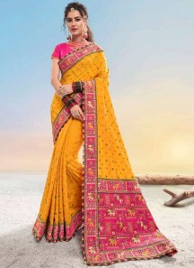Soft Silk Traditional Saree With Work Pallu And Contrast Heavy Blouse Piece